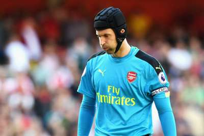 Premier League title fight will go to the wire - Cech