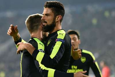 Arsenal aim to end Spurs' unbeaten run in derby