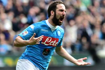 Gunners eye Higuain in Giroud swap