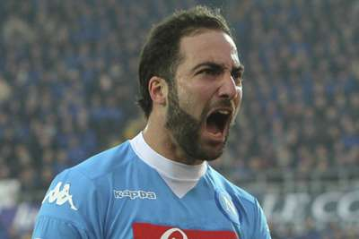 Juventus signs Argentina striker Higuain from Napoli