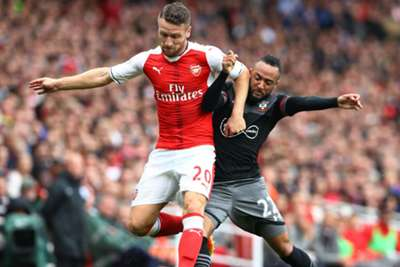 Arsenal's Lucas Perez must be given time to settle - Arsene Wenger