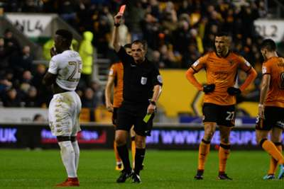 Wolves extend lead atop Championship following Leeds thrashing