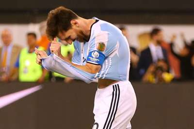 Argentina struggles after ban for Messi