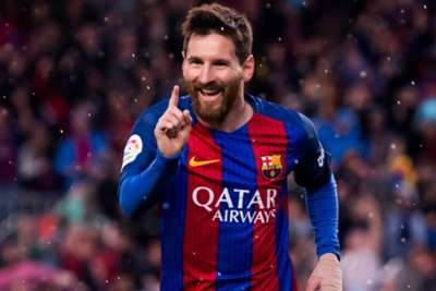 Messi double, Suarez stunner take Barca top