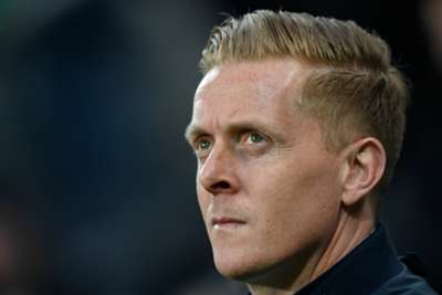 Leeds manager Monk quits despite contract extension offer