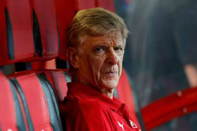 No contact with PSG over Sanchez, claims Wenger