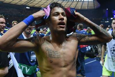 Neymar is leaving, Barcelona says; radio says moving to PSG