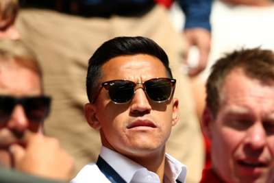 Alexis Sanchez Likely Out Two Weeks with an Abdominal Injury