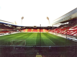 'Fritz-Walter-Stadion' from the web at 'http://cache.images.core.optasports.com/soccer/venues/300x225/1284.jpg'