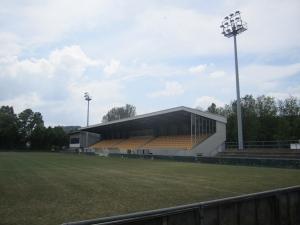 Stade rue Henri Dunant