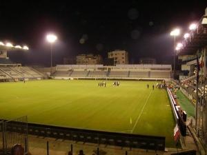 Stadio Antonis Papadopoulos, Lárnaka (Larnaca)