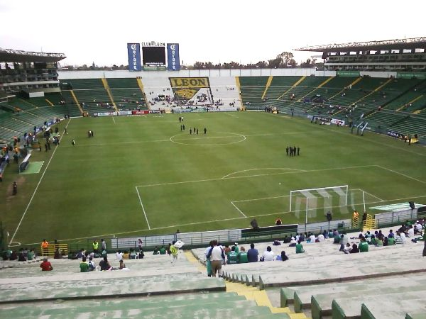 Estadio León (Nou Camp), León de los Aldamas
