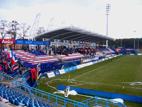 Stadion Amiki Wronki, Wronki