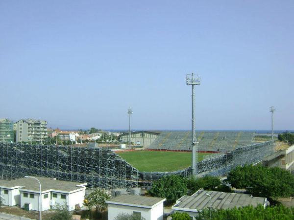 Stadio Is Arenas, Quartu Sant'Elena