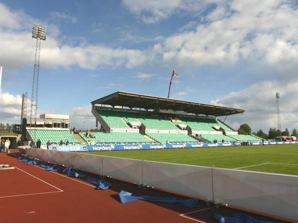 Nadderud Stadion, Bærum