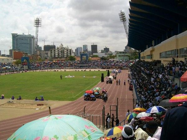 Estádio Municipal dos Coqueiros, Luanda