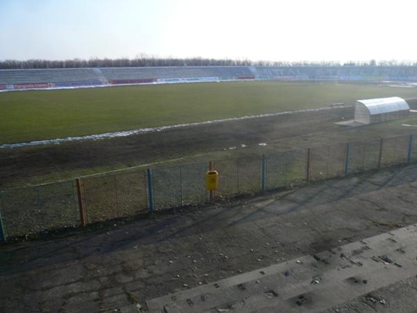 Stadionul Moldova, Roman