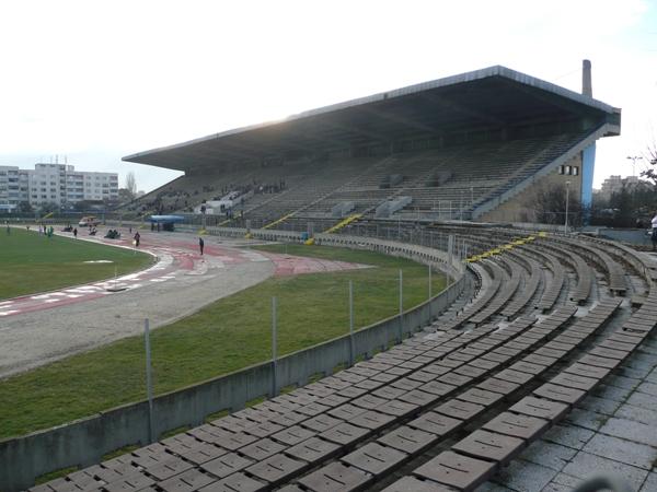 Stadion Akademik (Festivalna), Sofia