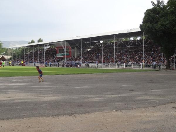 Stadion im. Safarbeka Karimova, Vahdat (Khuroson)