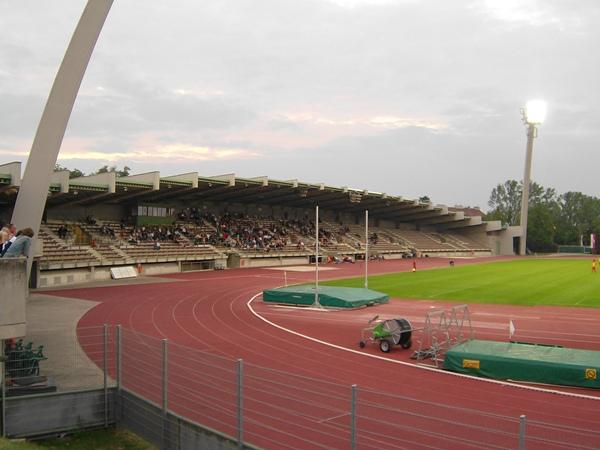 Rudolf-Tonn-Stadion, Schwechat